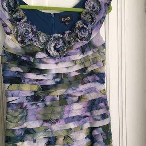 Pretty floral stretch Adrianna Papell dress